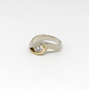 Swirl Two tone gold ring